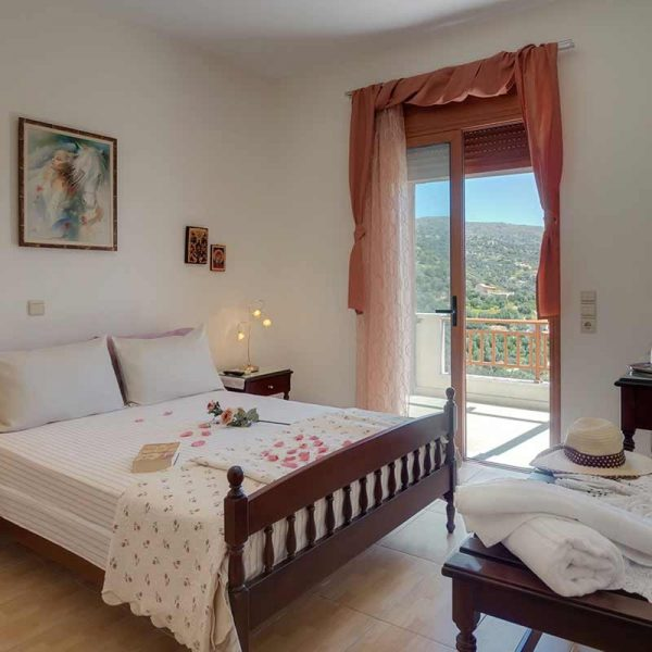 triopetra-bedroom